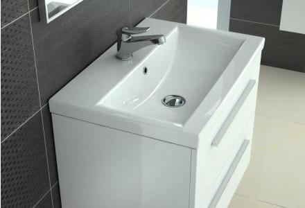 Szafka pod umywalkę z lakierowanymi frontami meblowymi